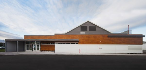 concenta-austria-arenabertrandlepage-atelier5-troispistoles-qc-canada-2011-parklex-facade-copper-01-1