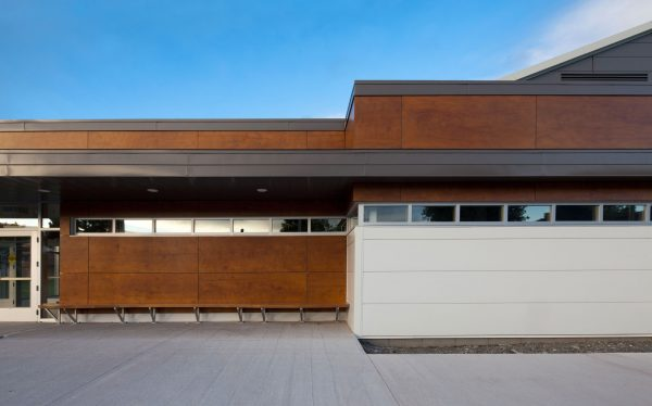 concenta-austria-arenabertrandlepage-atelier5-troispistoles-qc-canada-2011-parklex-facade-copper-01-2