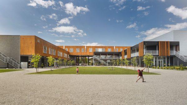 concenta-austria-hotellafermelemassifdecharlevoix-canada-2012-parklex-facade-copper-00-1