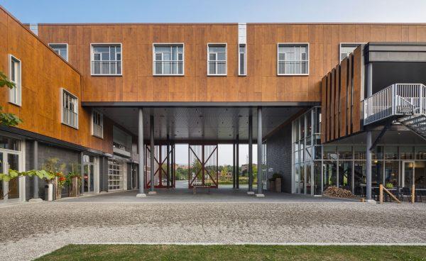 concenta-austria-hotellafermelemassifdecharlevoix-canada-2012-parklex-facade-copper-00-3