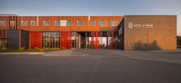 concenta-austria-hotellafermelemassifdecharlevoix-canada-2012-parklex-facade-copper-00-4