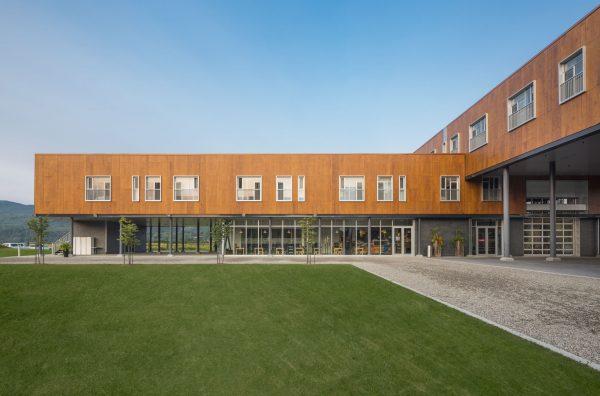 concenta-austria-hotellafermelemassifdecharlevoix-canada-2012-parklex-facade-copper-00-5