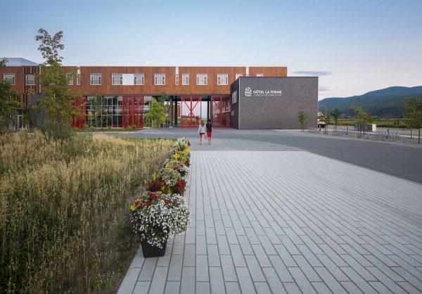 concenta-austria-hotellafermelemassifdecharlevoix-canada-2012-parklex-facade-copper-00-6