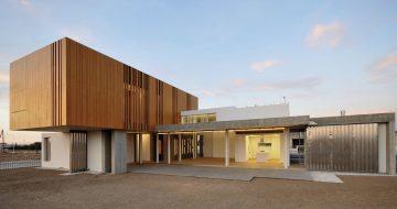 Fassadenplatten Holz parklex echtholz hpl fassadenplatten concenta austria gmbh