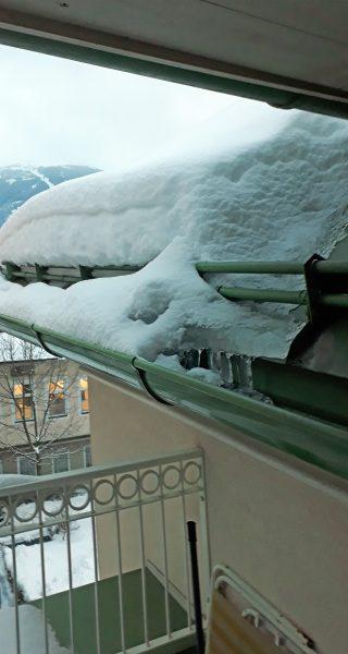 UNI-Bausysteme GmbH - Schneeschutz mit 2 Rohrdurchzügen